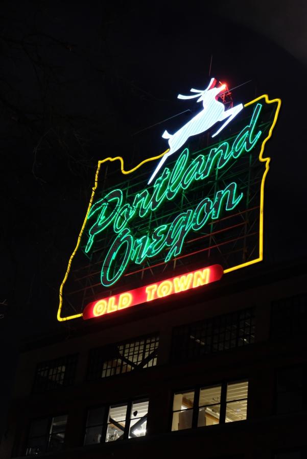 Portland Oregon, Neon Signal