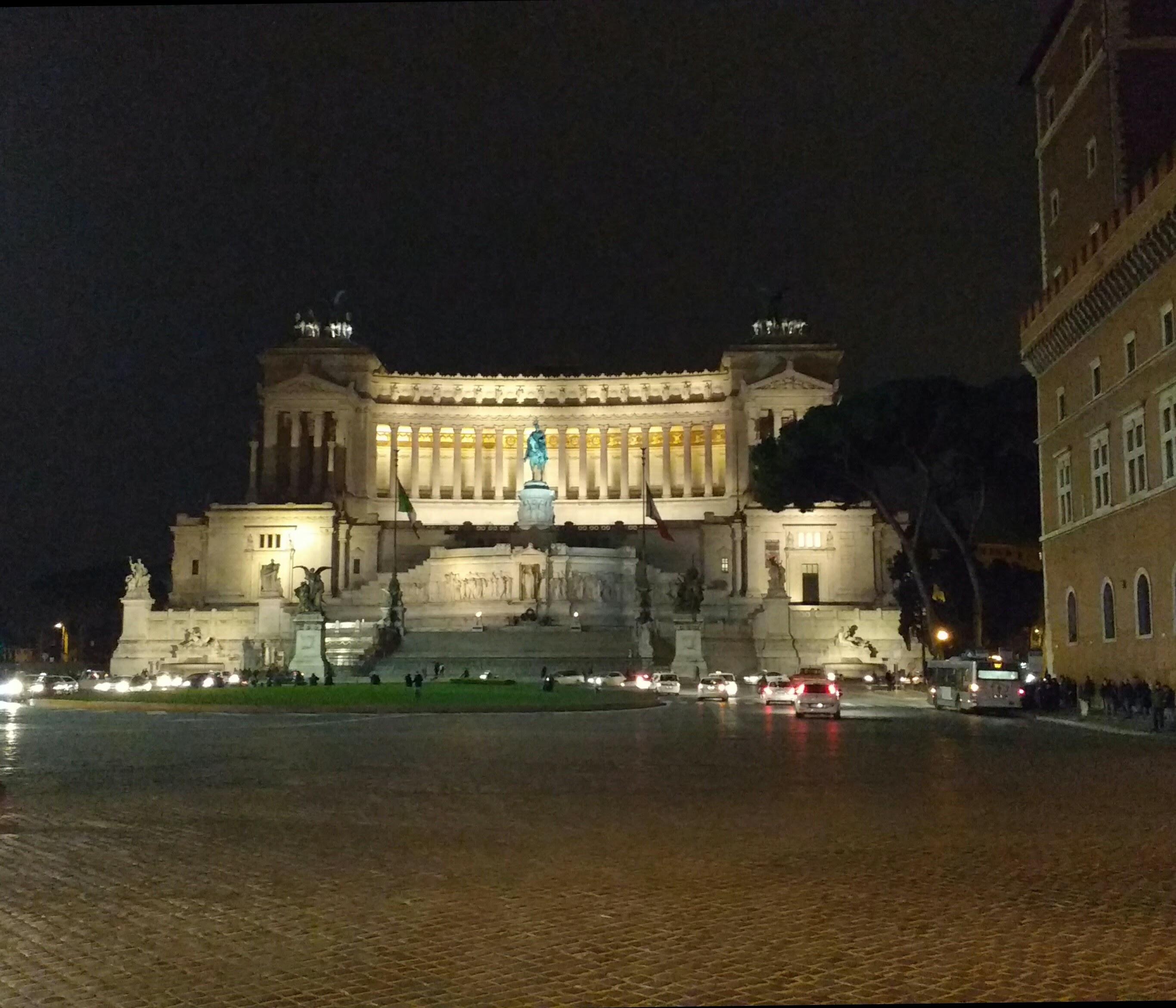 Piazza Venezia - vista desde Vía del Corso